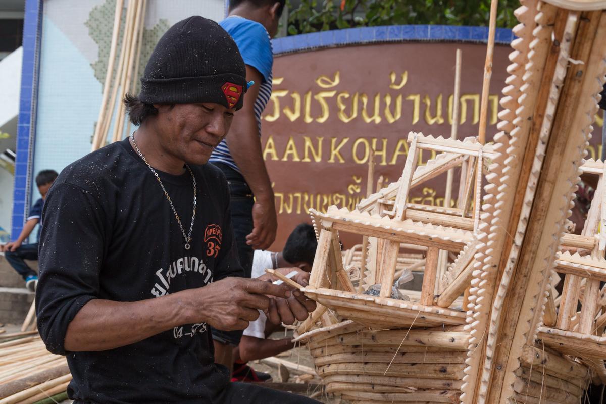 urak lawoi building ceremonial boat