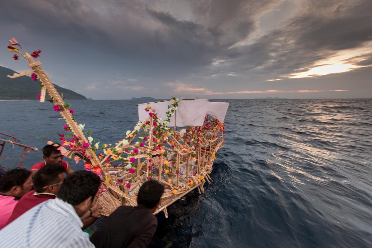 loy rua boat release